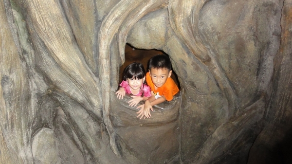 And finally, two cute faces on the small cave.