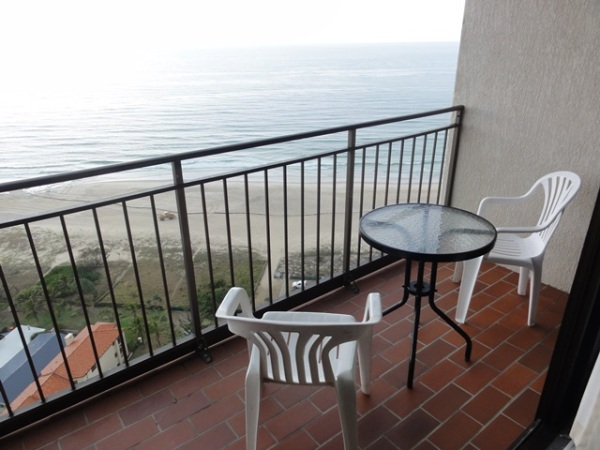 Balcony in the living room: facing the sea