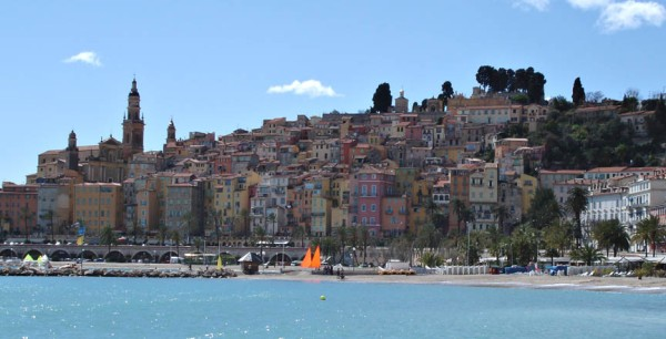 "Love love love the blue water. From the movie set ""The Blue Train"" inFRENCH RIVIERA - MENTON. Picture taken from http://www.tvlocations.net/bluetrain.htm"