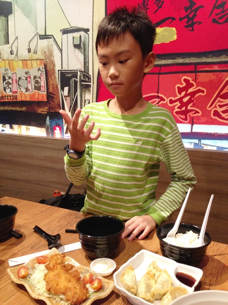This boy doesn't like ramen, but likes anything deep fried in Japanese restaurant (fried salmon, tempura, etc)