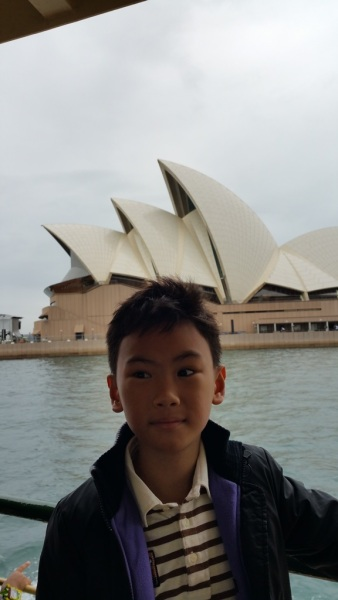 Another photo session with Sydney Opera House in the background