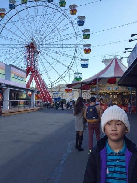 The ferris wheel and the carousel greeted as the two first rides at the entrance. We skipped the merry go round because it didn't interest the lil one