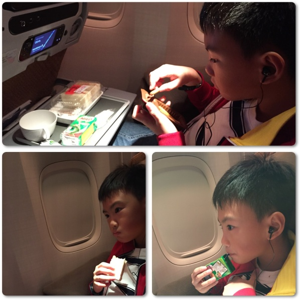 Snack (especially for kids) was served not long after the plane took off. It is still a mystery to me how he could still eat everything even after his second dinner at the lounge, hahaha..........
