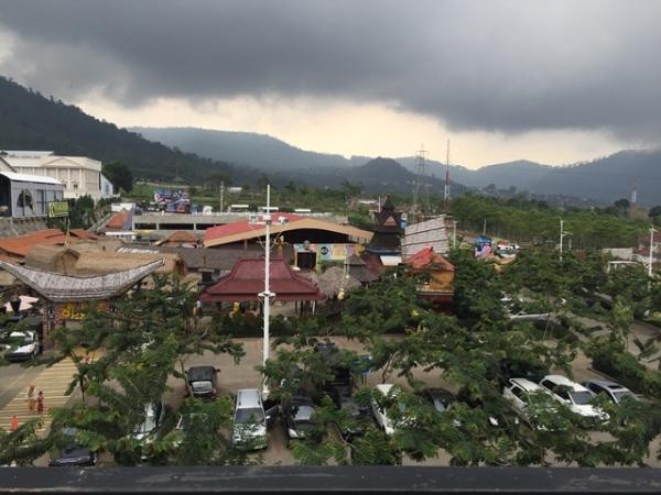 Panderman Village