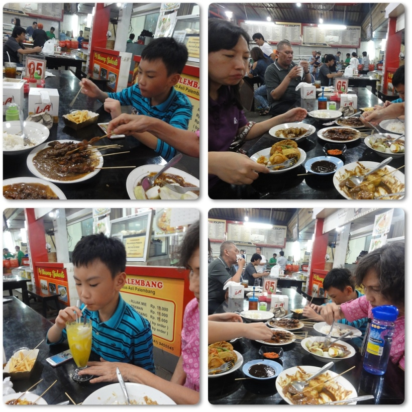 Let's all eat..........we also ordered french fries and wedang ronde. We were soooo.....full............